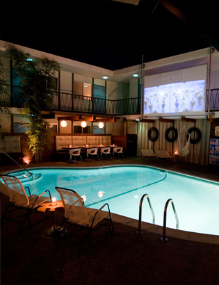 """Dive-In"" Movies at The Pearl"