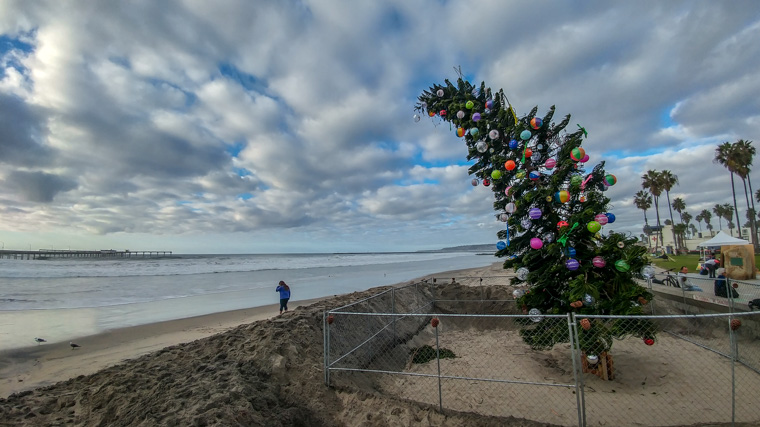 Looking North at the Ocean Beach Christmas Tree (2018)