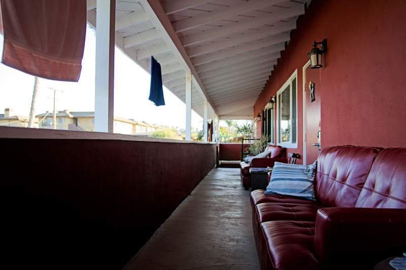 Ocean Beach Hostel Balcony