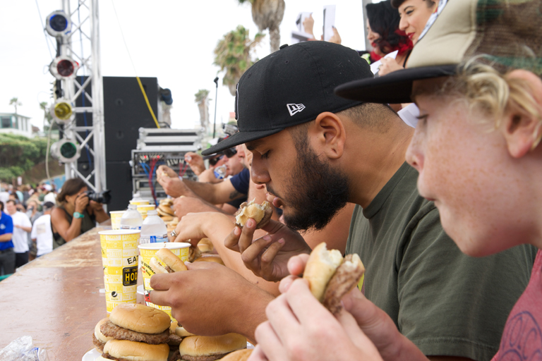 Hodad's Burger Eating Contest