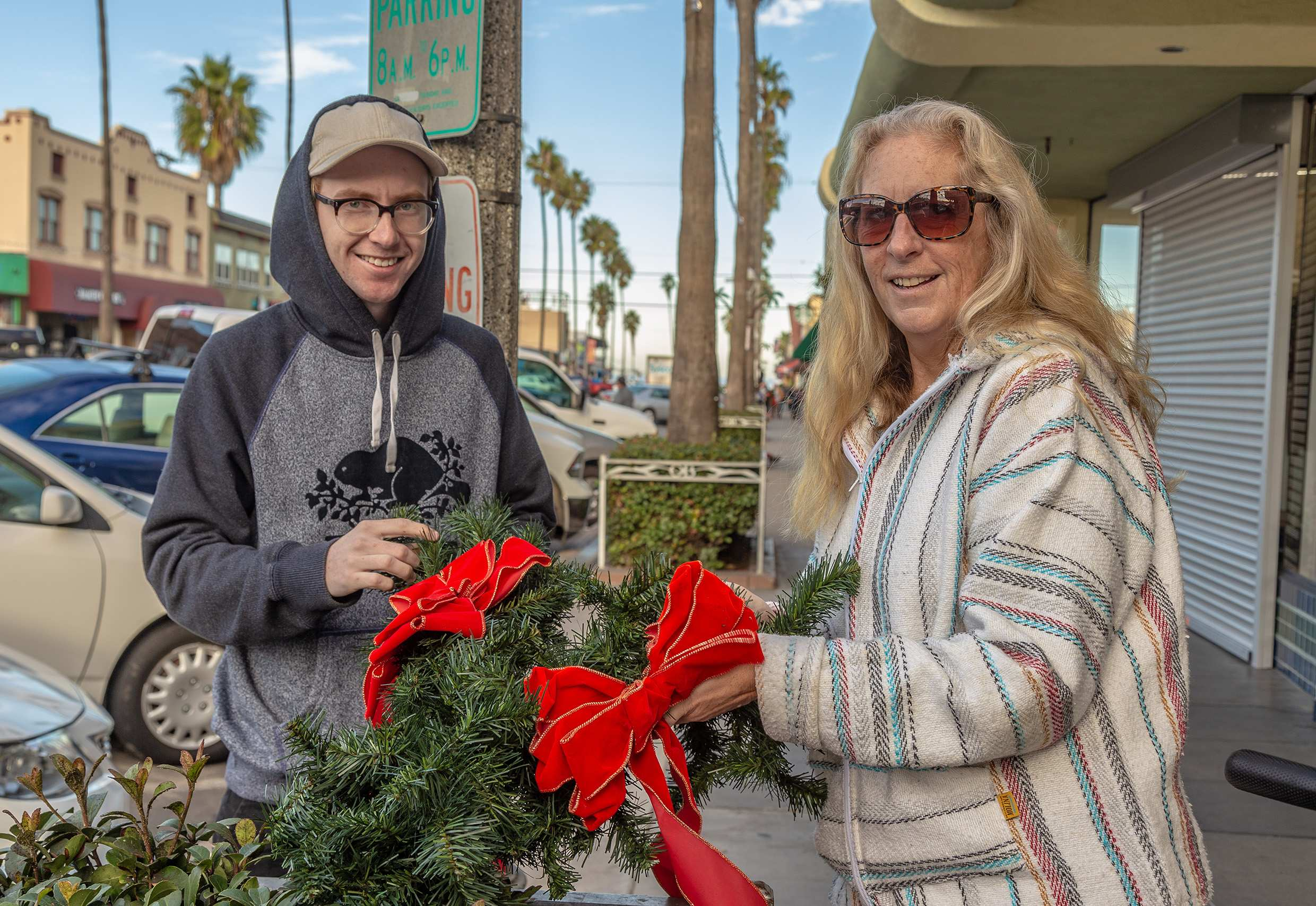 Photo of: Newport Avenue Holiday Decorating 2019