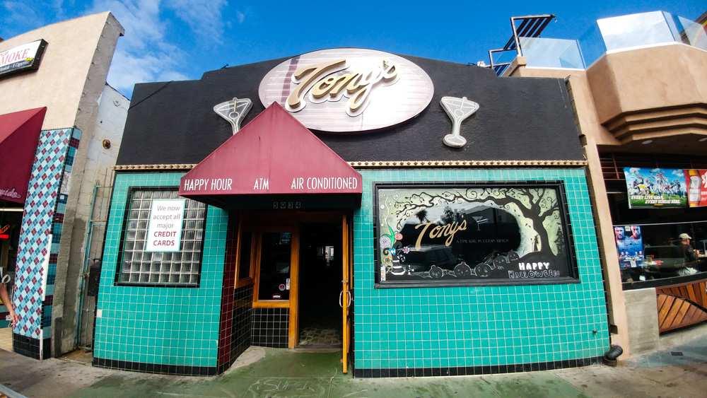 Tony's Cocktail Lounge