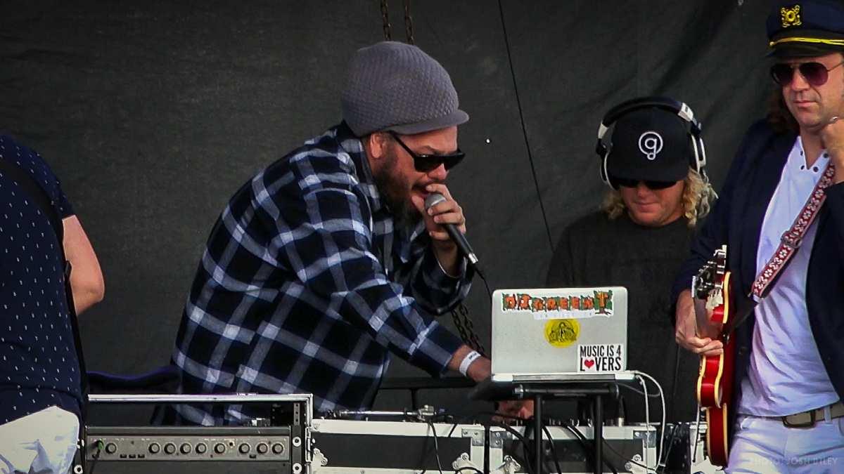 DJ Hugh Knight and DJ Green Tea