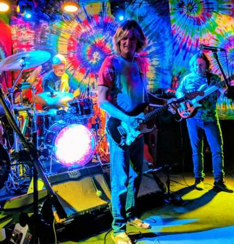 Ocean Beach News Article: Winstons Reopens with Electric Waste Band