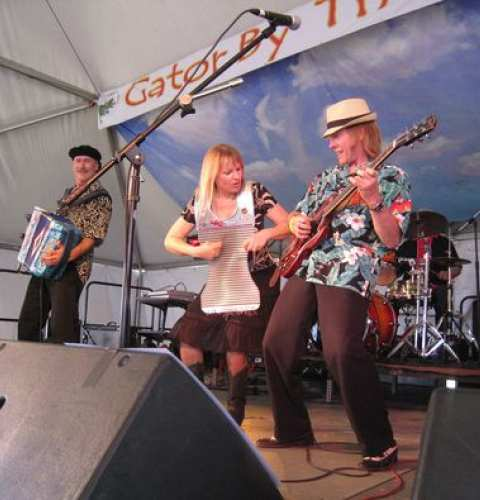 "Ocean Beach News Article: WeBeOB Presents ""The JukeTones"""