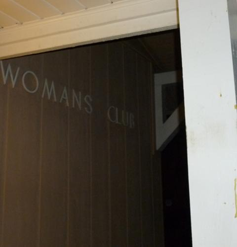 Photo of: OBMA Member Event: Sundowner with OB Woman's Club and Emargo Grill